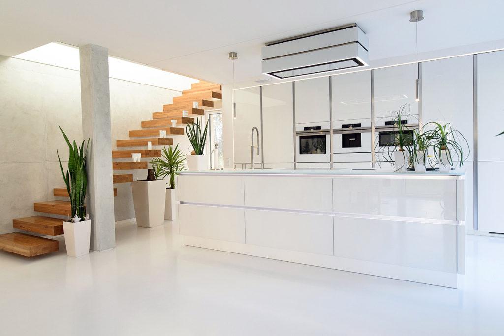MEGA Küchenwelten in 92421 Schwandorf - Referenzen: Wunderschöne grifflose Designküche in Weiss