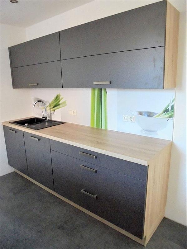 Zeitlose Küche mit frischen Akzenten - MEGA Küchenwelten ...
