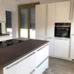 Tolle neue Küche mit seidenmatt lackierten Fronten