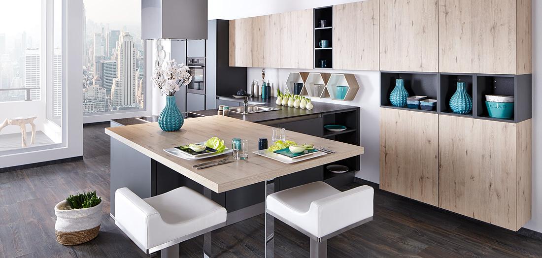 Puristische Küchen - edles Design mit hohem Komfort - gut & günstig bei Mega Küchenwelten in Schwandorf