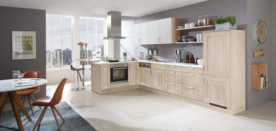 Klassische Küchen - zeitlos und elegant - gut & günstig bei mega Küchencenter in Schwandorf